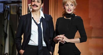 REPLAY - On refait les grands duos de l'humour (France 3) - Quand Héléna Noguerra drague Arielle Dombasle