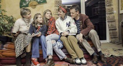 REPLAY - La Famille à remonter le temps (M6) : Cap sur les années 90 !